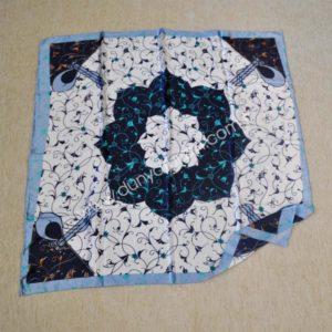 Osmańska apaszka z niebieskim kwiatem