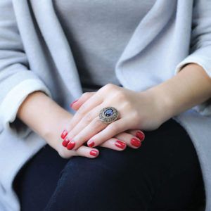 Osmański bogato zdobiony pierścień z szafirem