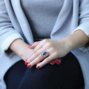 Osmański pierścień w kształcie łezki z szafirem