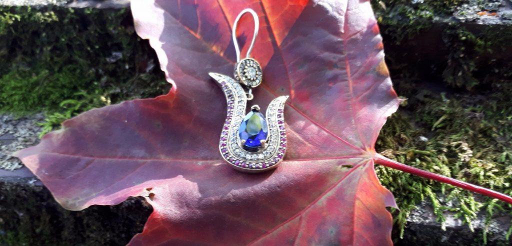 jaką biżuterię na jesień