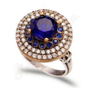 Orientalny srebrny pierścień z szafirami