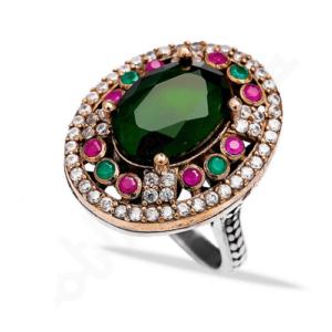 srebrny pierścień ze szmaragdami