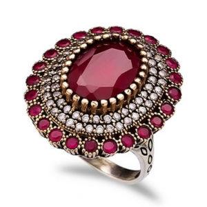 Srebrny pierścień z rubinem
