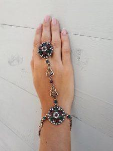Orientalny dodatek na rękę - bransoletka