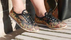 Orientalne dodatki na nogi - buty