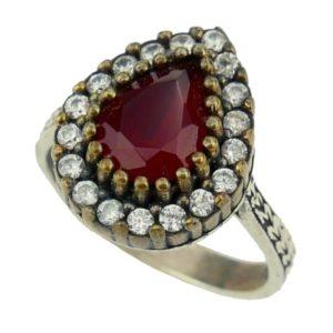 Pierścień srebrny z rubinem i cyrkoniami