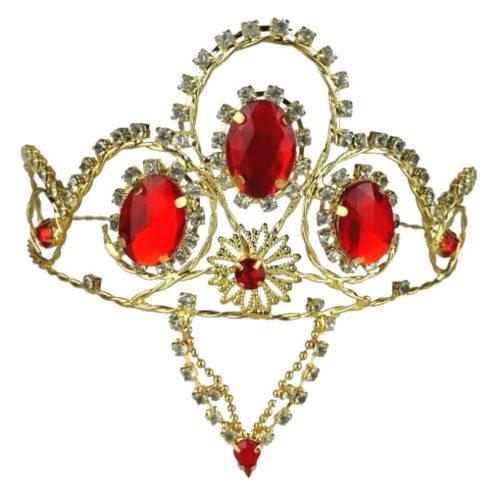 Korona z czerwonymi kamieniami