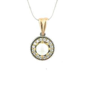 Okrągły naszyjnik z perłą