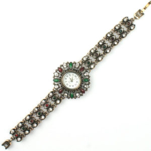 Zegarek na rękę w orientalnym stylu