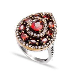 Srebrny pierścień z granatem