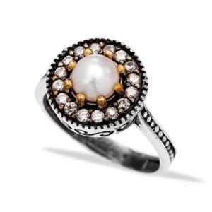 Srebrny pierścień z perłą
