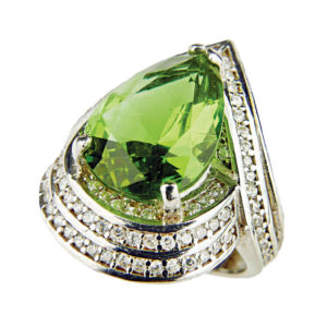 Pierścień ze srebra z Sułtanitem